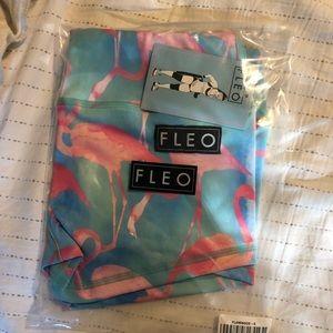 Brand new Flamingo fleos